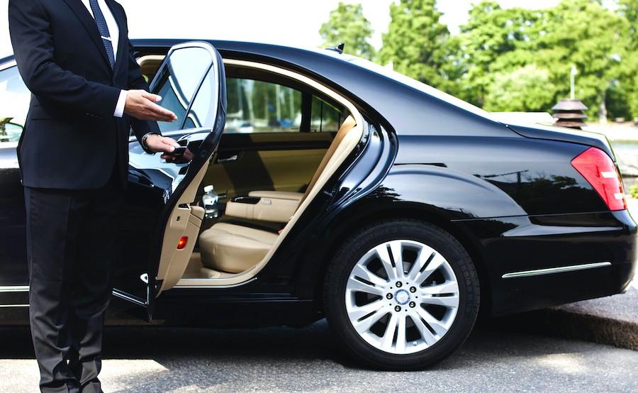 Montreal Quebec Ottawa Chauffeur Service Luxury Sedan Berline de Luxe